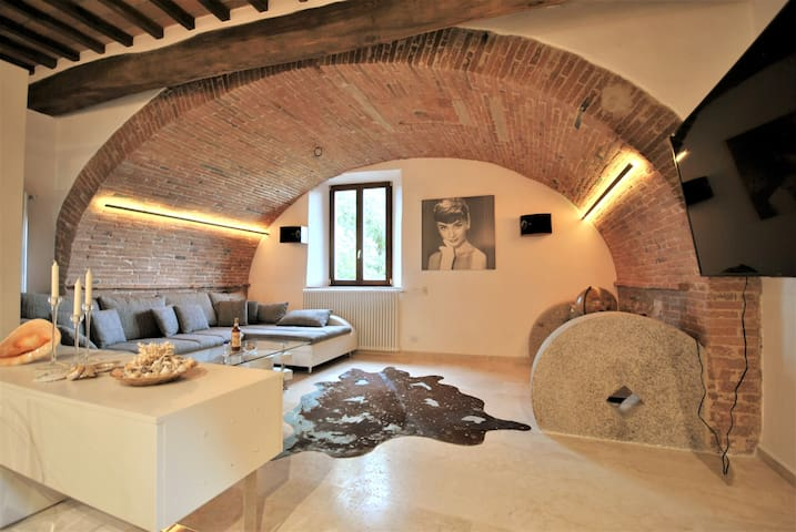 Il Frantoio - Charming Loft in the old town