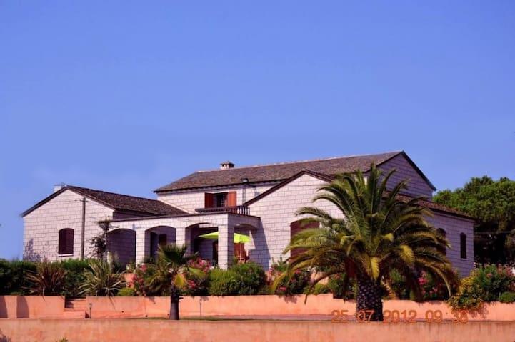Grande maison littoral corse - Aléria - House