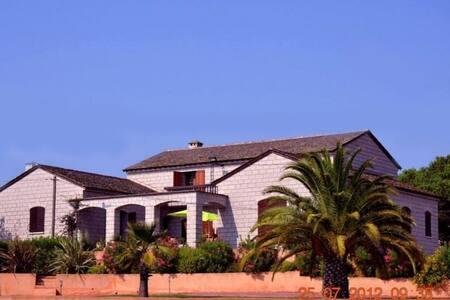 Grande maison littoral corse - Aléria