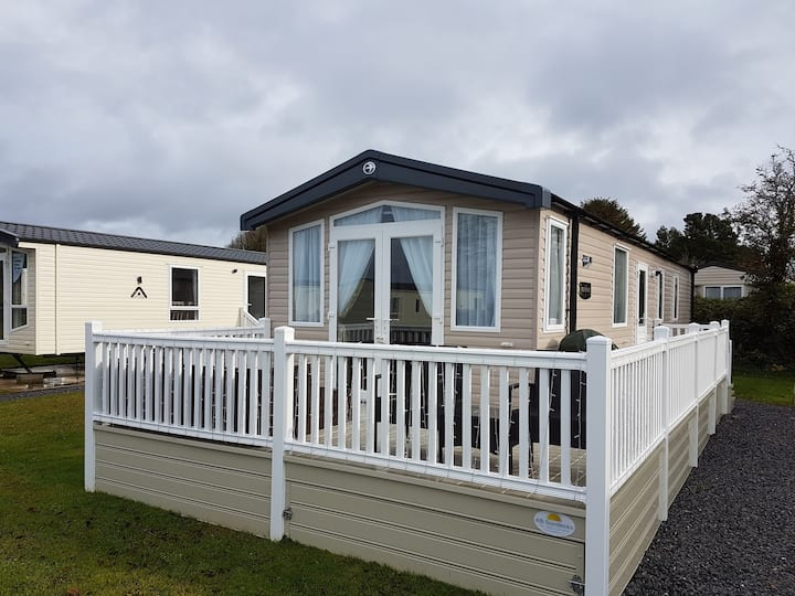 Luxury Brand New Holiday Home For Hire