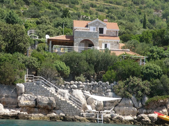 Villa by the sea near Dubrovnik