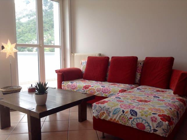 Grande divano utilizzabile come terzo posto letto