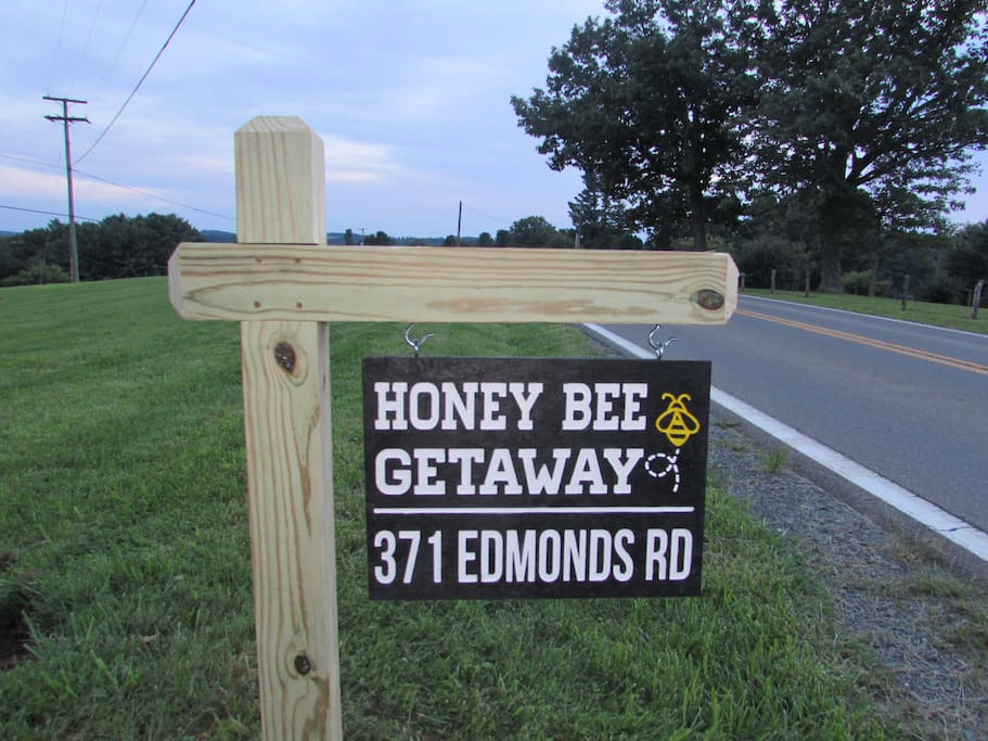 Honey Bee Getaway Welcome sign