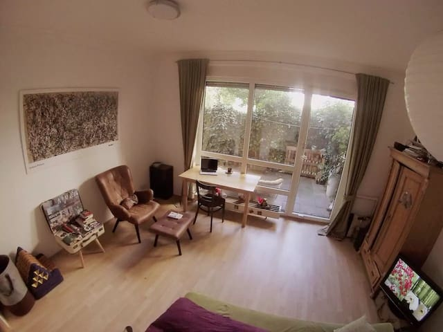 Cozy appartment for up to 4 people + terrace - Köln - Apartment