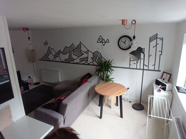 Quirky flat with close transit links around GrMCR