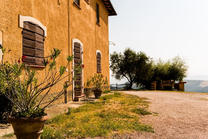 "Farmhouse Apartament ""Ospedaletto"", SPECIAL OFFER! - San Venanzo - Apartamento"