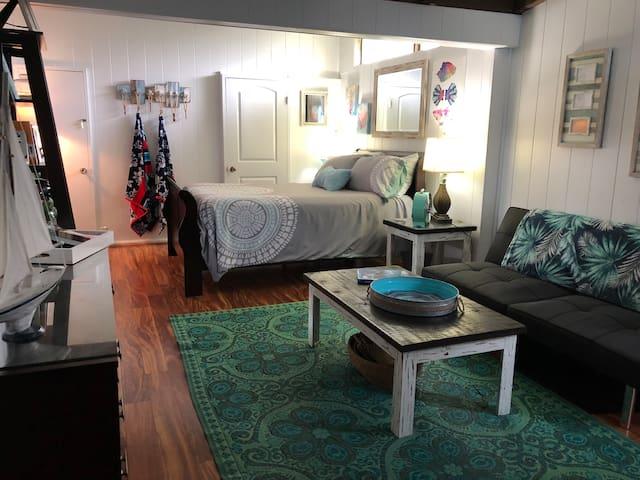 Kailua Hale-Paradise suite