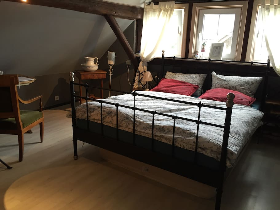 2 gem tliche zimmer im dachgeschoss klimaanlage houses for rent in birstein hessen germany. Black Bedroom Furniture Sets. Home Design Ideas