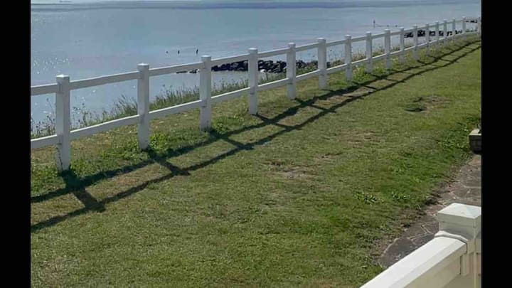 Clear, Panoramic Sea View Luxury Hopton Caravan