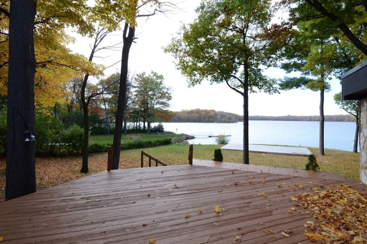 Exquisite Waterfront 4 bdrm House Newly Renovated - Vaudreuil-Dorion - Hus