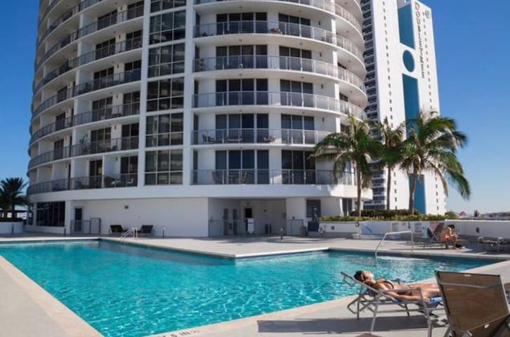 Miami Dream Penthouse Ocean Views FREE PARKING