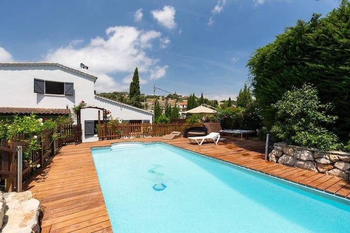 Maisonette piscine  proche du Cap d'Antibes