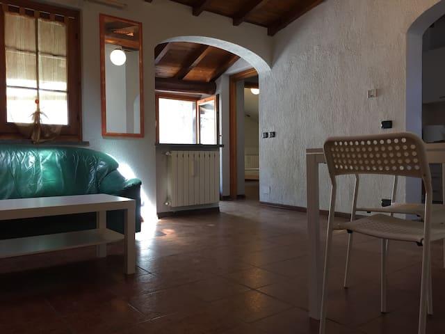 rustico relax immerso nel verde - Cuveglio - Apartamento