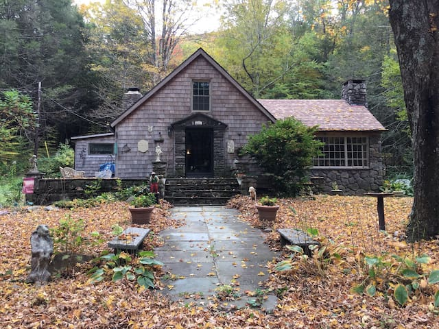 Charming 1890 home hideaway - Lanesville - House