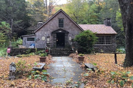 Charming 1890 home hideaway - Lanesville - Haus