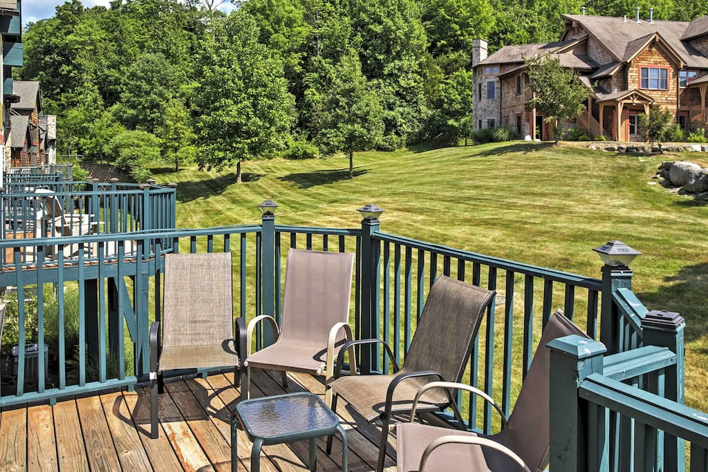 Soak up the sun on the deck and enjoy access to the pool!