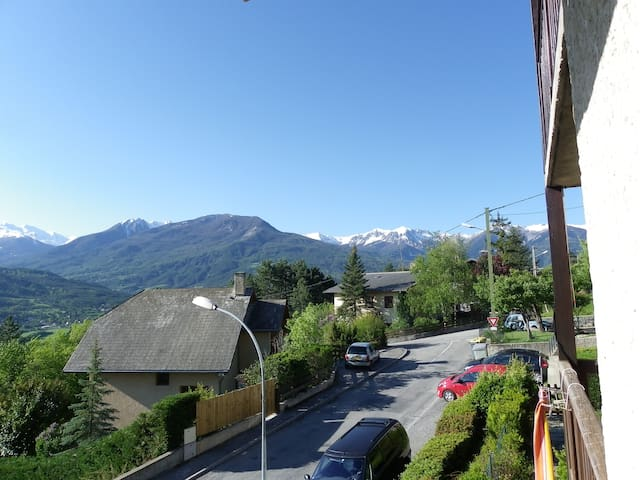 proche du village - Embrun - Apartment