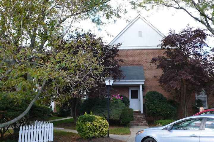 Private Spring Lake TownHouse - Monthly Rentals