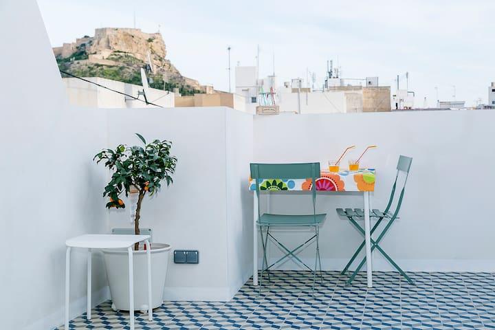 Amazing views. Roof terrace. Wifi