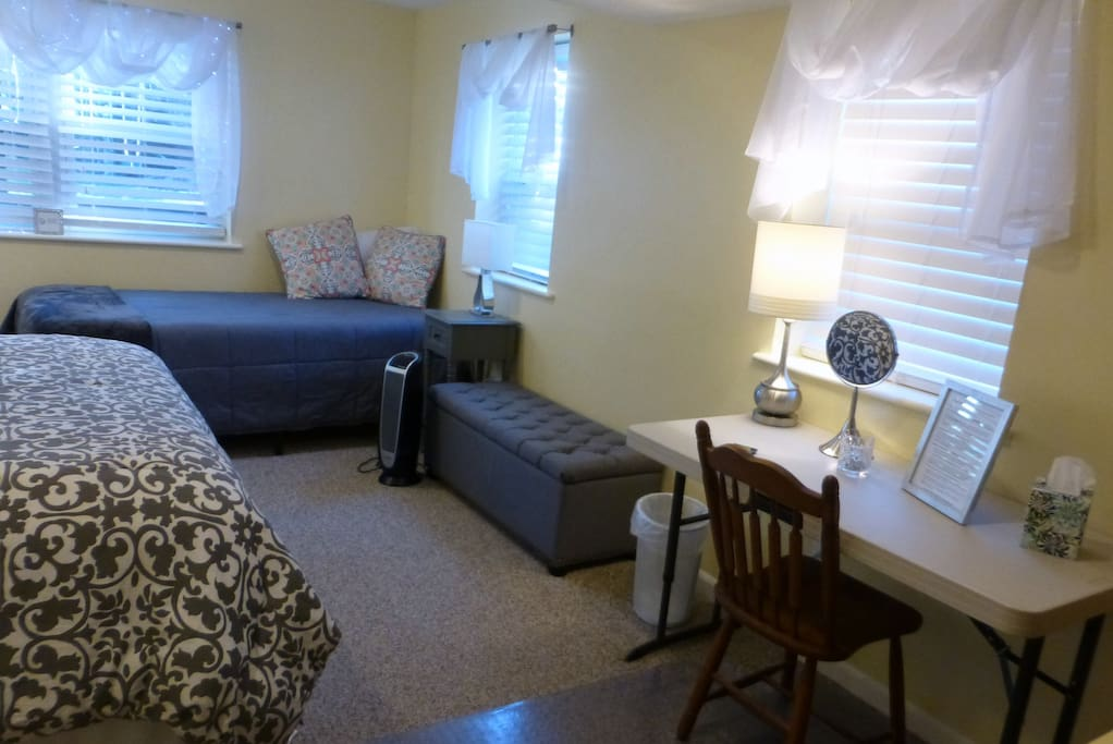2 Bedroom Private Suite In Our Home Breakfast Guest Suites For Rent In Riverdale Park