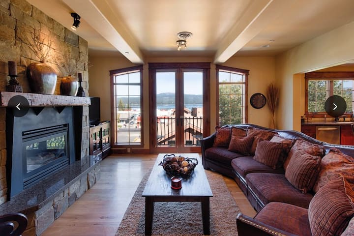 Lakeview Penthouse in the heart of McCall