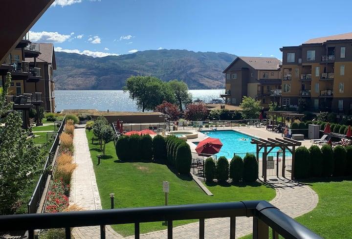 Lakefront Resort Townhouse
