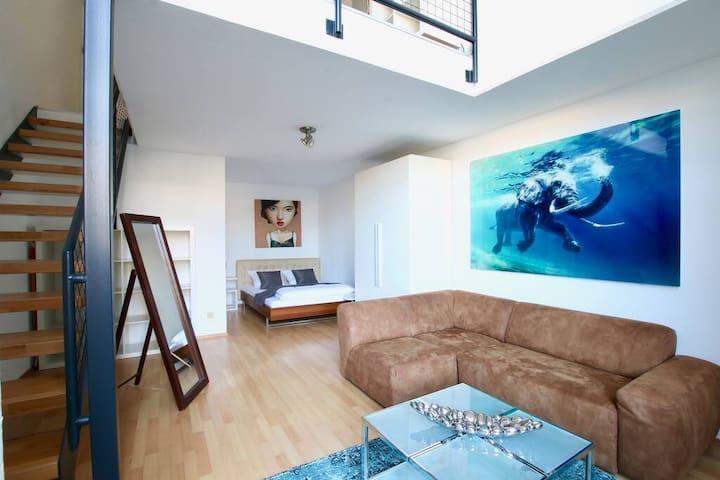 Gorgeous Loft-Apartment near Neumarkt