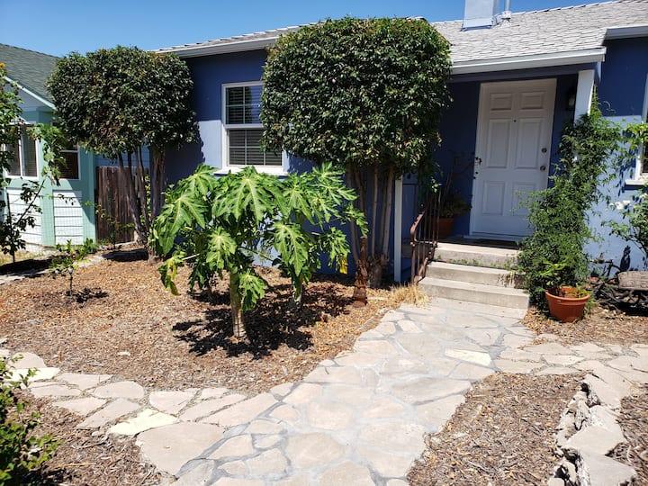 Two bedroom garden bungalow in West La Mesa