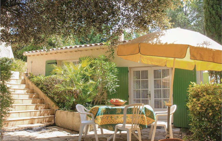 Semi-Detached with 1 bedroom on 30m² in Bédoin