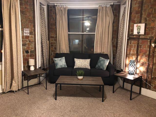 Cute and spacious apartment near Downtown