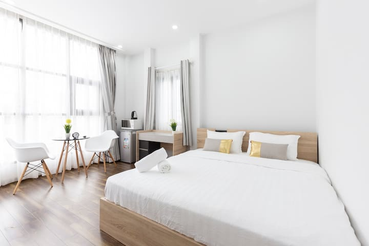 Shining Studio conveniently located in Phu Nhuan