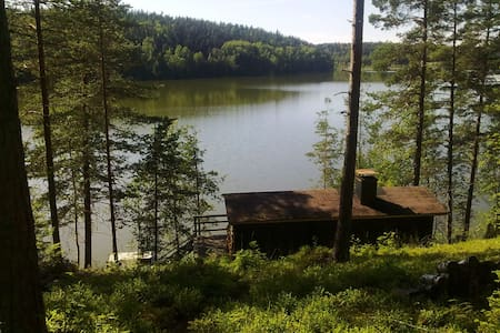A small typical Finnish cabin by the lake - Cabin