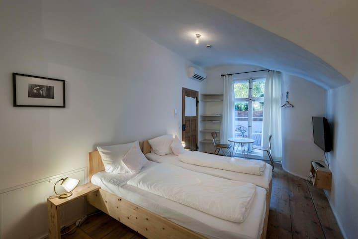 Einzimmer Appartment mit Bad/Dusche