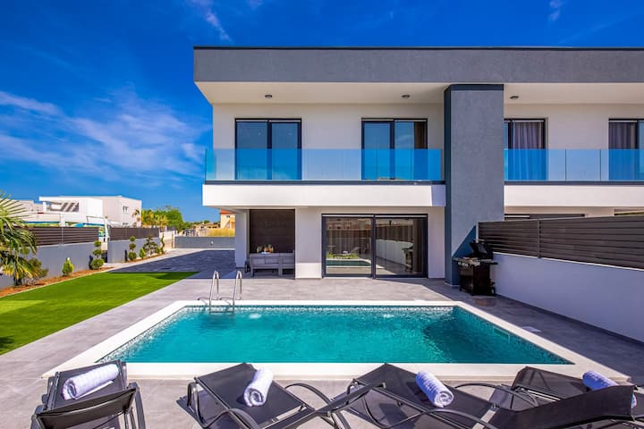 Modern Villa Maestral, in Dalmatia, with a Pool