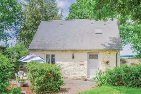Holiday cottage with 2 bedrooms on 48m² in Ruffiac