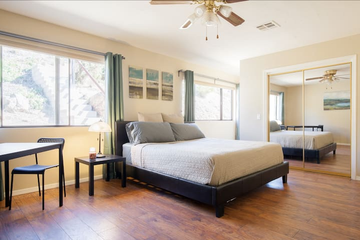 Spacious San Diego home with amazing views! - Spring Valley - Dom