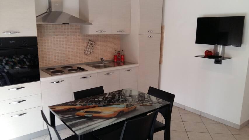 Grazioso appartamento a 2 km dal centro di Alba