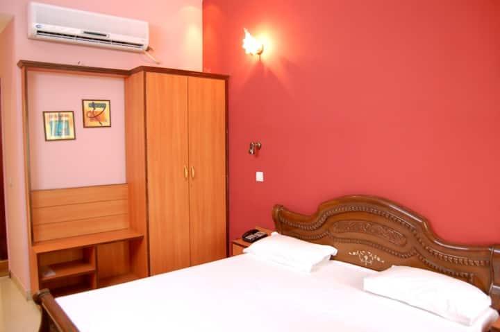 Hotel D R International