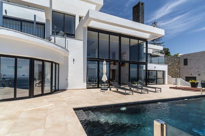 Villa29 met verwarmd privé zwembad en jacuzzi