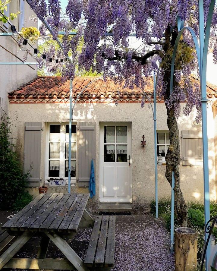 Jolie chambre vue jardin 25 mn de Nantes. B&B