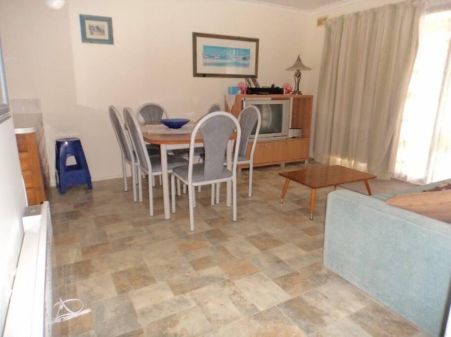 Meals / Lounge Room
