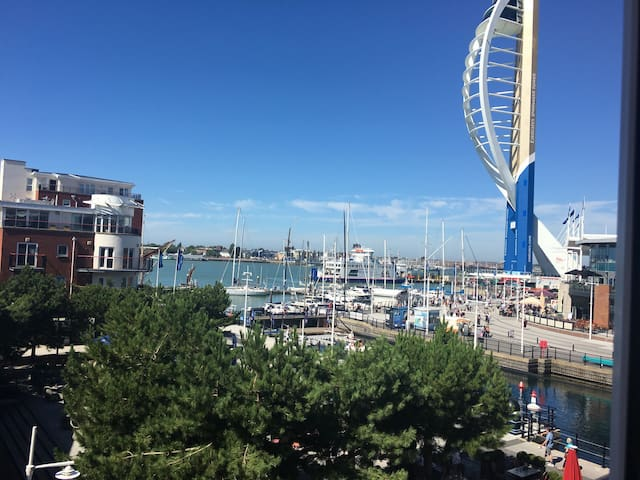 Harbour Views at Gunwharf Quays - Portsmouth  - Apartment