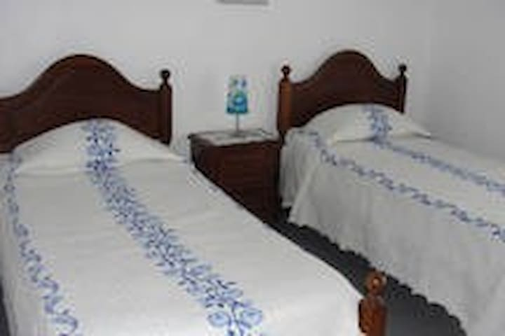 Room with 2 Single beds ANG303 - Fátima - Hostel