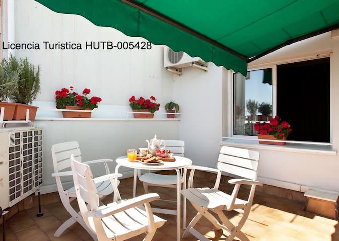Sagrada Familla with terrace for 4 - Barcellona - Appartamento
