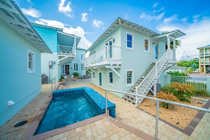 Coastal Seaside - Incredible Home Sleeping 6! Free Bike and Beach Equipment Rentals, Gulf Front!