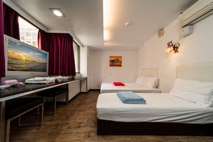 ★ 2 Standard Double Room At Love River/ O2 MRT