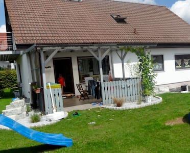 Haus auf dem Land mit schöner Lage - Neresheim - Talo