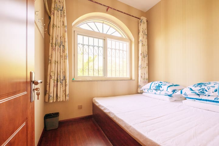 1.8x2米的榻榻米卧室