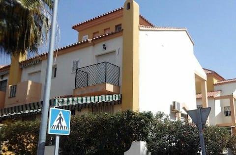 Bonita casa en Algarrobo Costa, a 3min de la playa