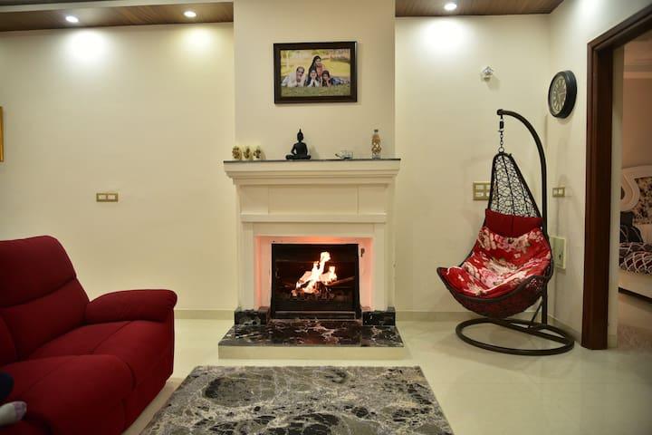 Amber Pari Celebrations House (8 Rooms, 16 guests)